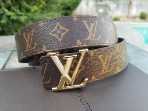 Leather Lv Belt mens for Sale in Fresno, CA
