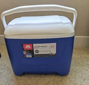 Igloo 28 Qt Cooler for Sale in Tempe, AZ