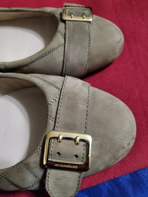 Burberry flat shoes 8 .M for Sale in Miami, FL
