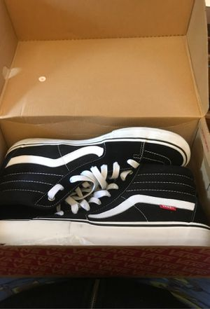 Vans size 13 comes with new black shoe laces for Sale in Rockville, MD