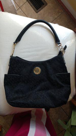 Tommy Hilfiger handbag for Sale in Burtonsville, MD