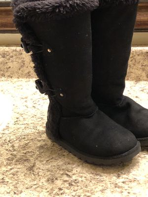 WARM COZY LITTLE GIRLS AIR WALK BOOTS SIZE 10 1/2 c (Price Firm) for Sale in El Paso, TX