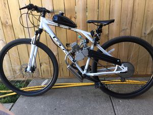 """GT Outpost 29"""" Motorized mountain bike for Sale in Chicago, IL"""