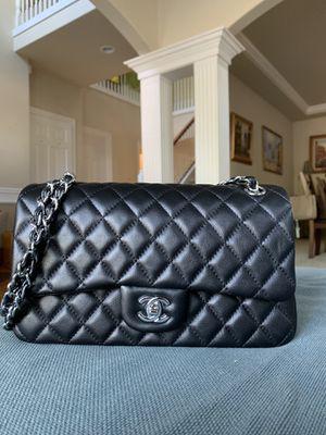 Chanel flap bag for Sale in Auburn, WA