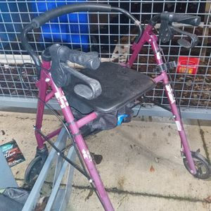 Walker Rarely used. Everything works And No Wear Tires. Brakesest Like New for Sale in Portland, OR