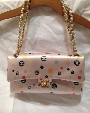Chanel Flap Bag AUTHENTIC for Sale in San Jose, CA
