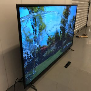 2019 VIZIO 60 INCH 4K HDR SMART TV! Delivery available, 3 month guarantee. Comes with legs and remote. Netflix, Disney+ and more! for Sale in Phoenix, AZ