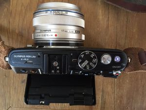 Mirrorless camera m43 - Olympus PEN E-PL5 + Olympus M.Zuiko 17mm F1.8g for Sale in Coppell, TX
