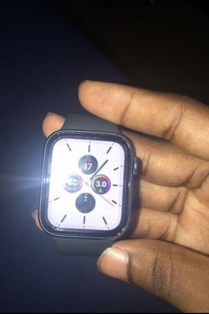 Apple Watch Series 5 for Sale in Columbia, MO