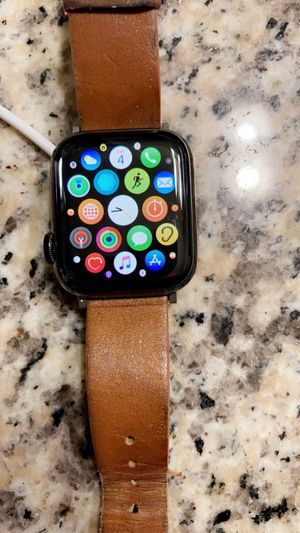 Apple Stainless Steel 5 cellular 40mm for Sale in San Antonio, TX