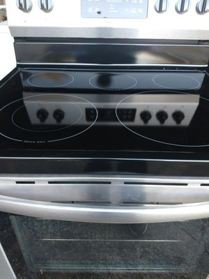 Frigidaire gallery flat top stove for Sale in Lexington, KY