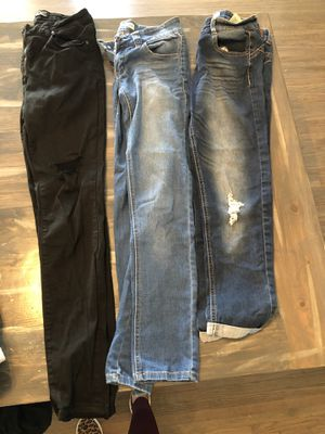 Size 7 women's jeans for Sale in Los Angeles, CA