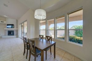 Kitchen/Dining Table and Chairs for Sale in Scottsdale, AZ