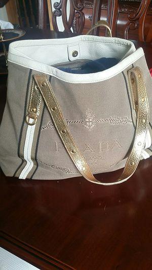 Prada handbag for Sale in Inver Grove Heights, MN