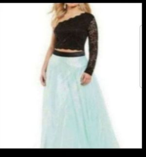 Plus size homecoming prom special occasion dress for Sale in Orlando, FL