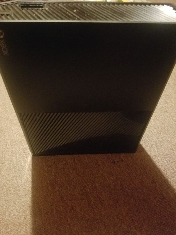 Xbox one day one edition (comes with power cord, hdmi cord, and controller) used