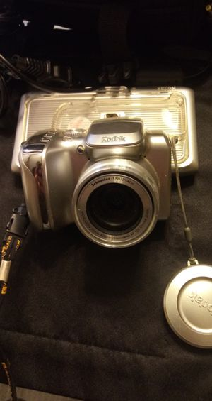 Kodak digital camera w everything. for Sale in Taylor, MI