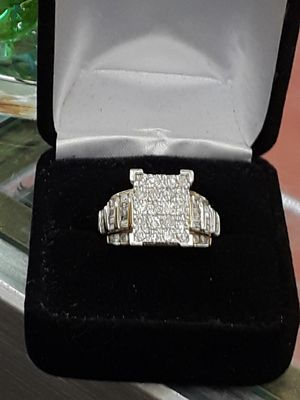 Beautiful diamond ring for Sale in Dallas, TX