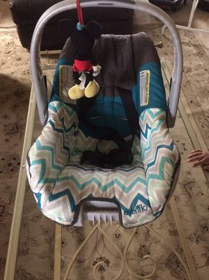 baby car seat for Sale in Fort Meade, MD