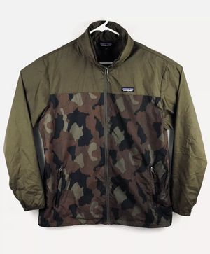 Patagonia mens large light & variable windbreaker camo for Sale in Maplewood, MN