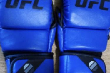Blue UFC 8oz MMA Sparring Gloves for Sale in Columbus,  GA