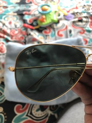 $20 Ray Ban Sunglasses 3025 Gold for Sale in Blythewood, SC
