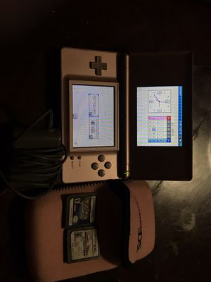 Nintendo ds with pouch,charger and 2 games for Sale in The Bronx, NY