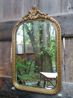 Antique wall mirror perfect condition for Sale in Stewartsville, NJ