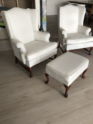 Ethan Allen wing chairs and ottoman for Sale in Miami, FL