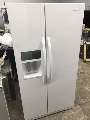 Kitchen aid white side by side counter depth refrigerator for Sale in Tustin, CA