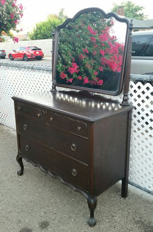 Antique 4 Drawer ROCKFORD Swivel Mirror Wood Dresser Claw Feet Brass Hardware Shabby for Sale in La Verne, CA