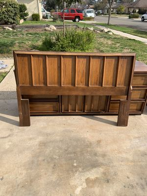 Full or queen size head board and metal rails for Sale in Fresno, CA