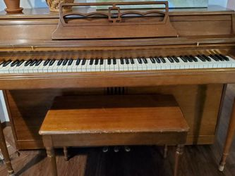Upright Piano for Sale in Lynnwood,  WA