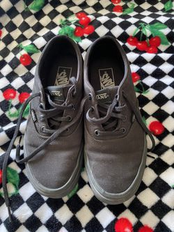 Women's Vans Doheny Sneakers Size 8 for Sale in Albuquerque, NM