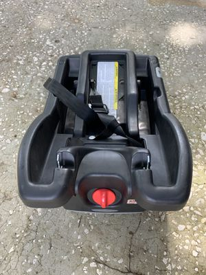 Graco car seat base for Sale in Apopka, FL