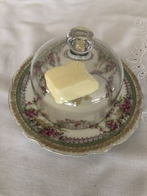 COVERED BUTTER DISH for Sale in Fairfax, VA