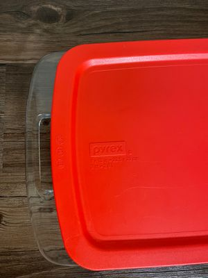 Pyrex box - 2.8 Liter for Sale in Golden Oak, FL