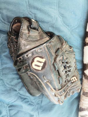 Wilson Softball Glove for Sale in Las Vegas, NV