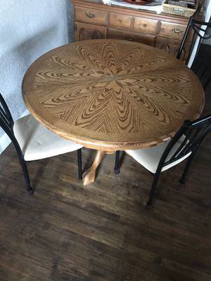 Kitchen table with 3 chairs for Sale in Fresno, CA