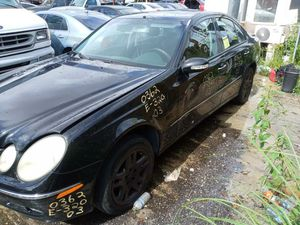 Mercedes E320 2003 only parts engine and transmission good for Sale in Miami Gardens, FL