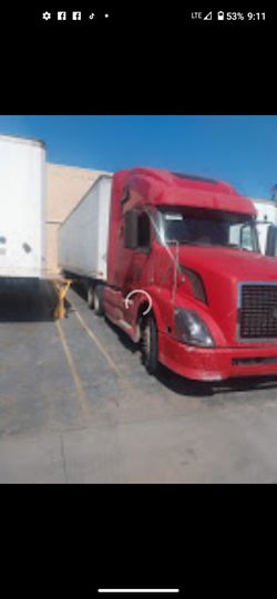 Lost Title 2007 Automatic Volvo Truck PARTS ONLY!!! for Sale in Houston,  TX