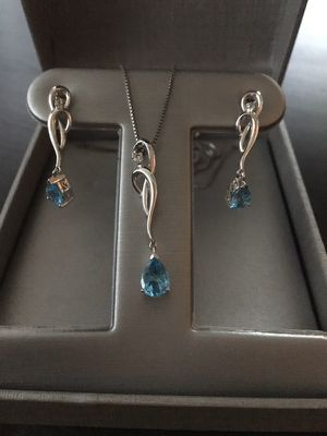 Zales Necklace and earrings set for Sale in Austin, TX