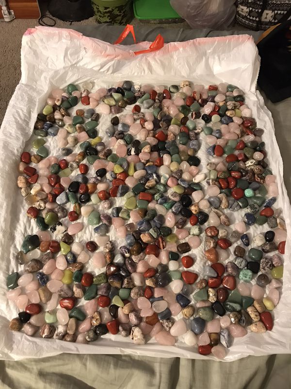 $1 EACH or 500 mixed healing stones lot $325