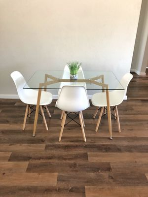 Modern Dining Table Set for Sale in Los Angeles, CA