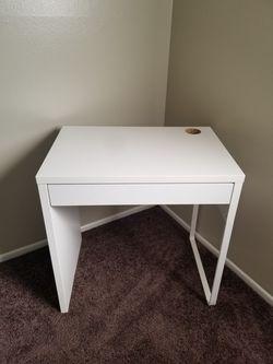 White Ikea Computer Desk for Sale in Huntington Beach,  CA