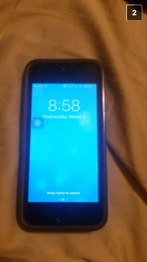iphone 5s works good just one crack across the screen for Sale in Charlotte, NC