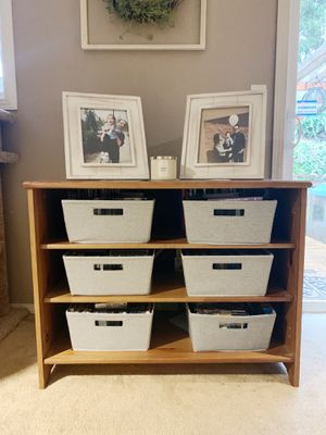 Entry Way Table / TV Console for Sale in Marysville, WA