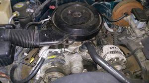 Motor v8 5.7L w/ transmission for Sale in El Monte, CA