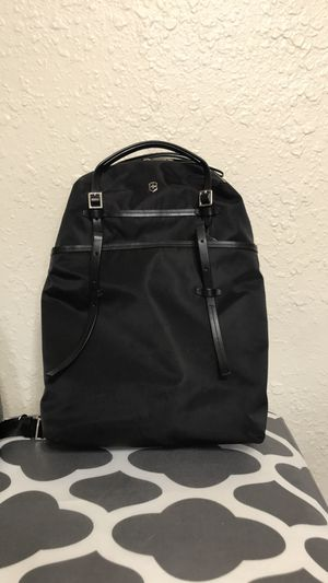 Victorinox Women's convertible business backpack for Sale in Tacoma, WA