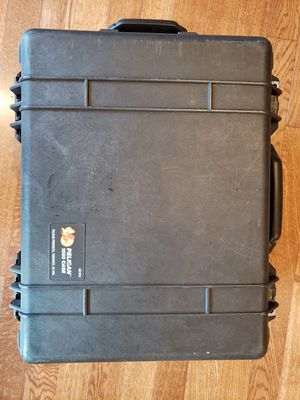 Pelican 1560 Waterproof Rolling Case for Sale in Renton, WA